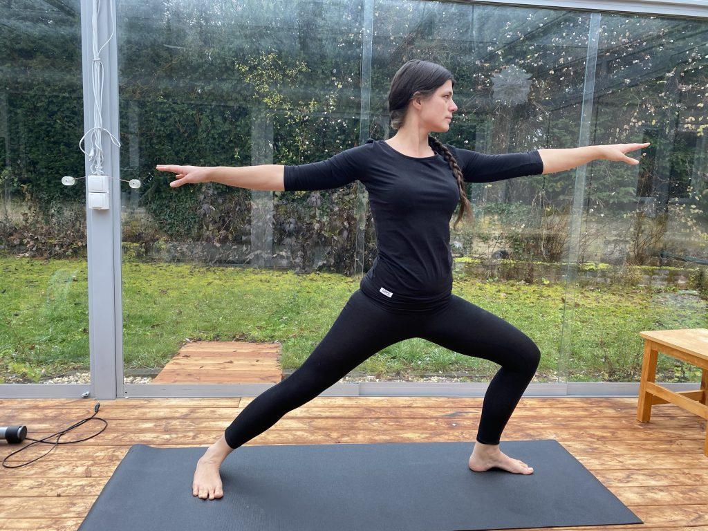 Veronika beim Yoga
