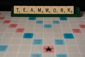 Teamwork - eine wichtige bei den übertragbaren sozialen Kompetenzen